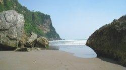 la plage de Pararantritis,